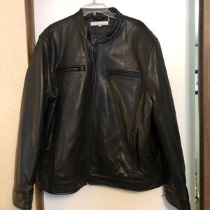 Gorgeous black leather jacket.